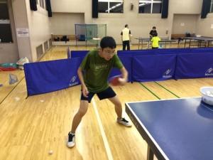 卓球日本一の大学の付属高校で、卓球部に入部せず、練習する高校生