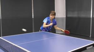梅村優香の変化卓球。表ラバーのブロック、横回転ツッツキで得点!