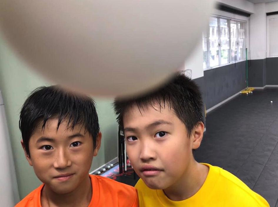 最近の卓球選手の大人も子供もプレーが雑