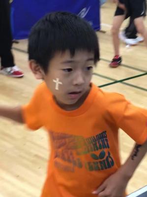 子供たちは久しぶりに成長した卓球プレーを 見ていただきました。