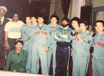 大学2年生の時、日本卓球代表としてインド・香港へ 明治大学単独チームで遠征