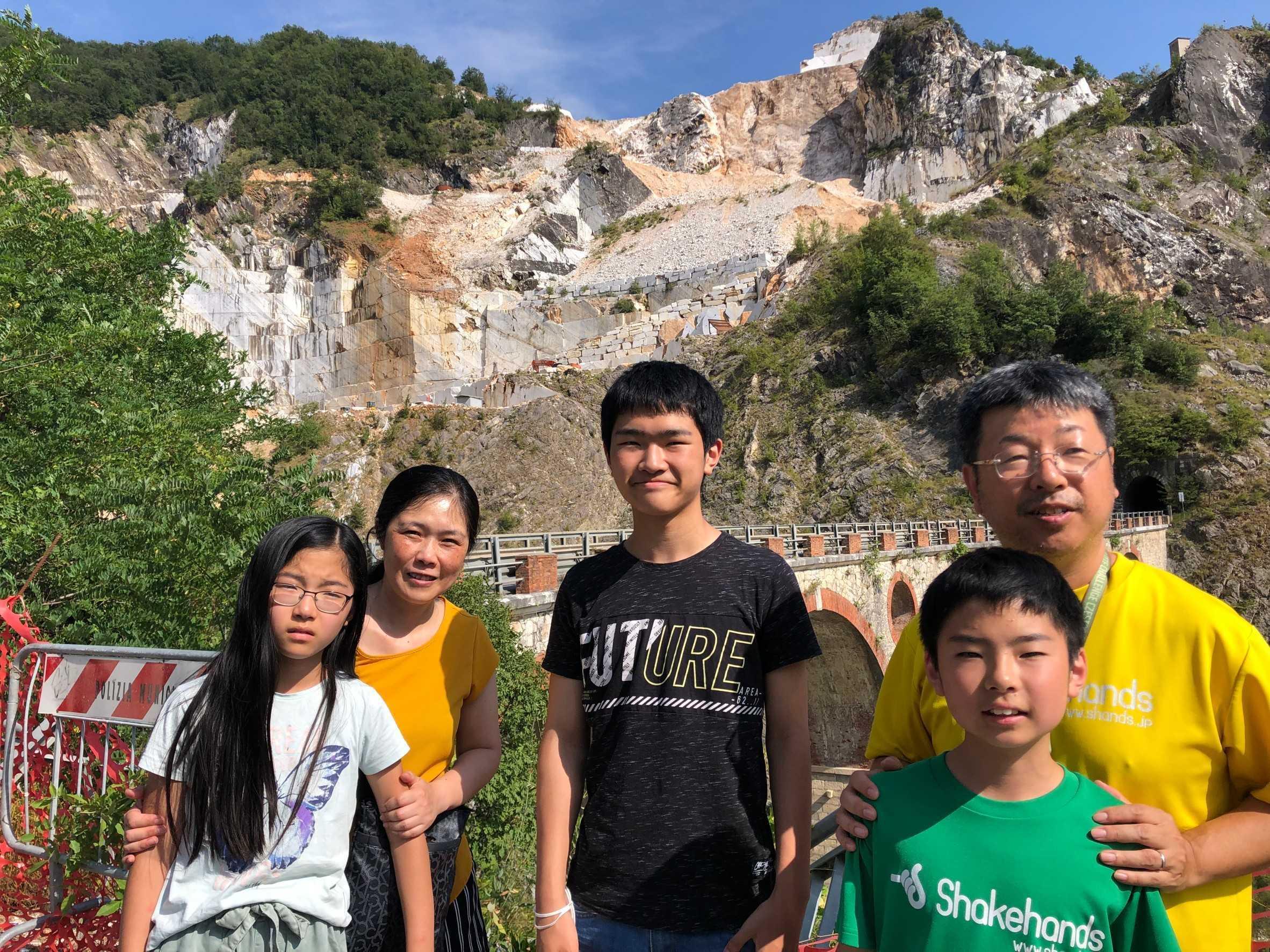 イタリアリーグ優勝のクラブCarrara(カッラーラ)は大理石採掘世界一の町!この地から東京に思いを馳せます^^